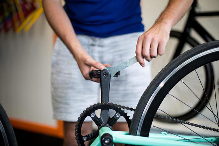 Jak usunąć pedały na szybkim rowerze