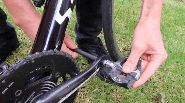 Jak usunąć oś pedału roweru