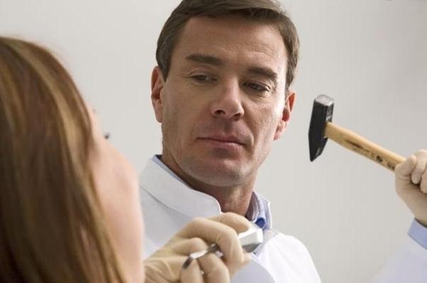 како уклонити корене зуба