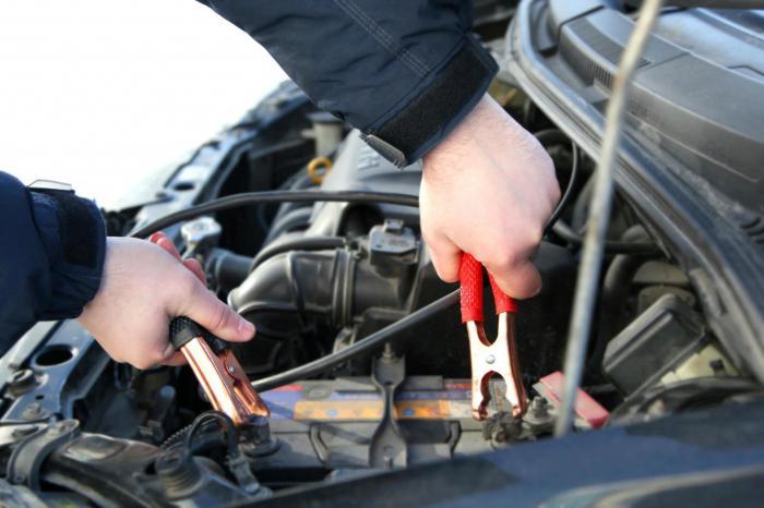 kako pokrenuti automobil ako je baterija sama