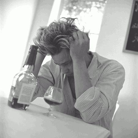 Come smettere rapidamente di bere alcolici
