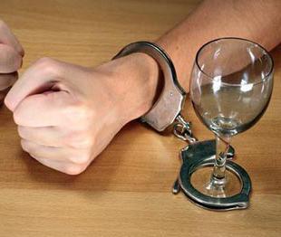 Come smettere di bere alcolici per sempre