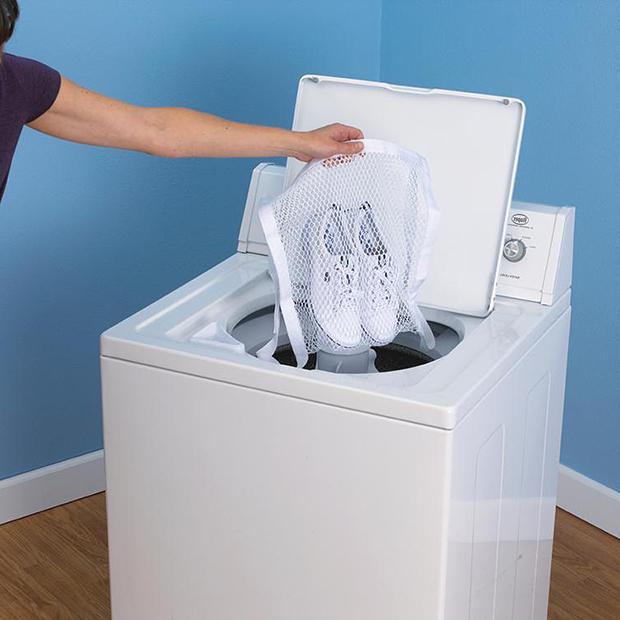 come lavare le scarpe da ginnastica nella lavatrice