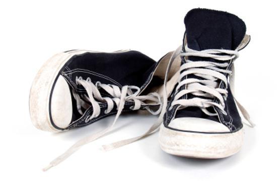 come lavare le sneakers