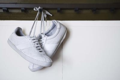 laviamo le scarpe da ginnastica nella lavatrice