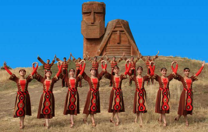Arménům nebo Arménům