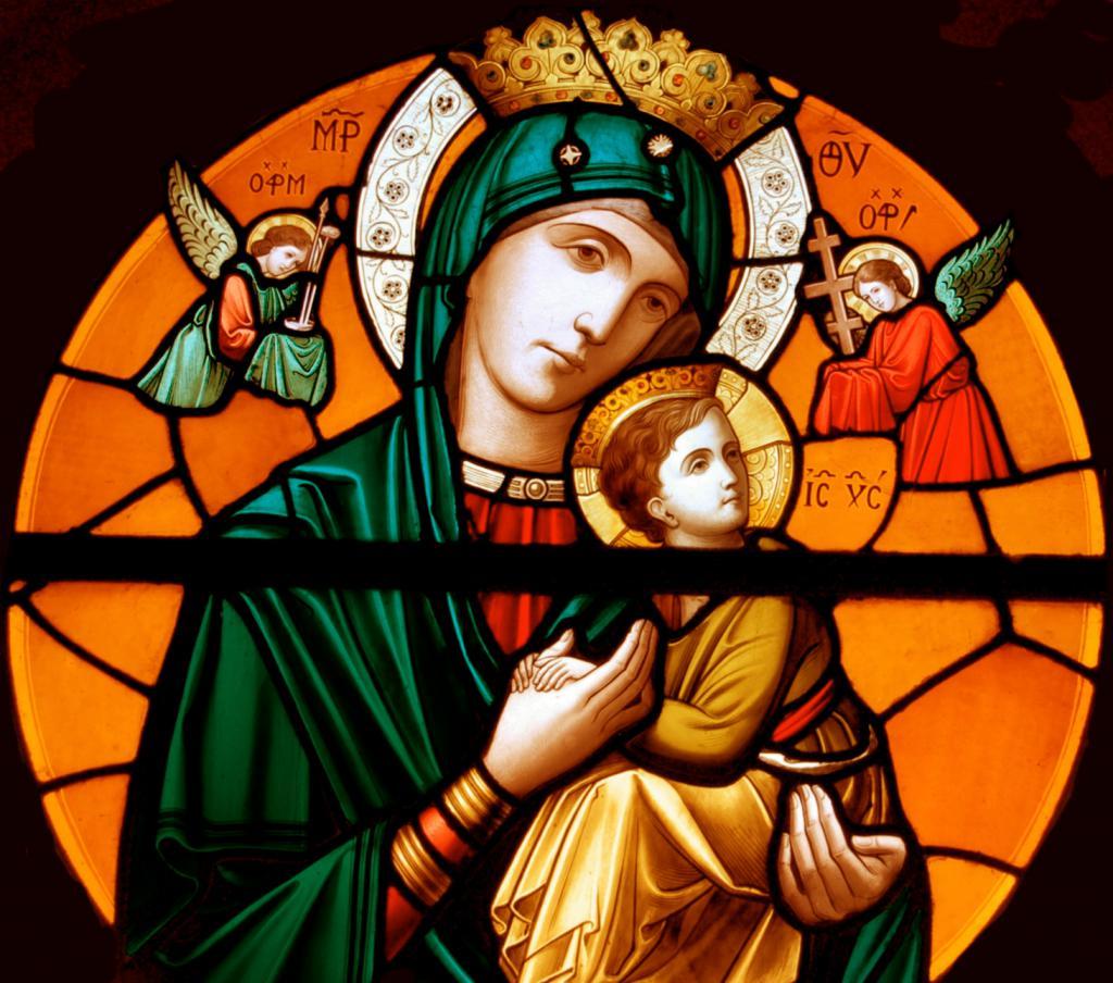 Vitražni prozor u katoličkom hramu