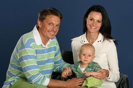 Igor Keblushek s svojo drugo ženo in mlajšim sinom
