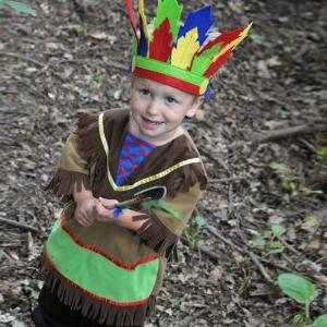 oblek indiánů ze šrotu