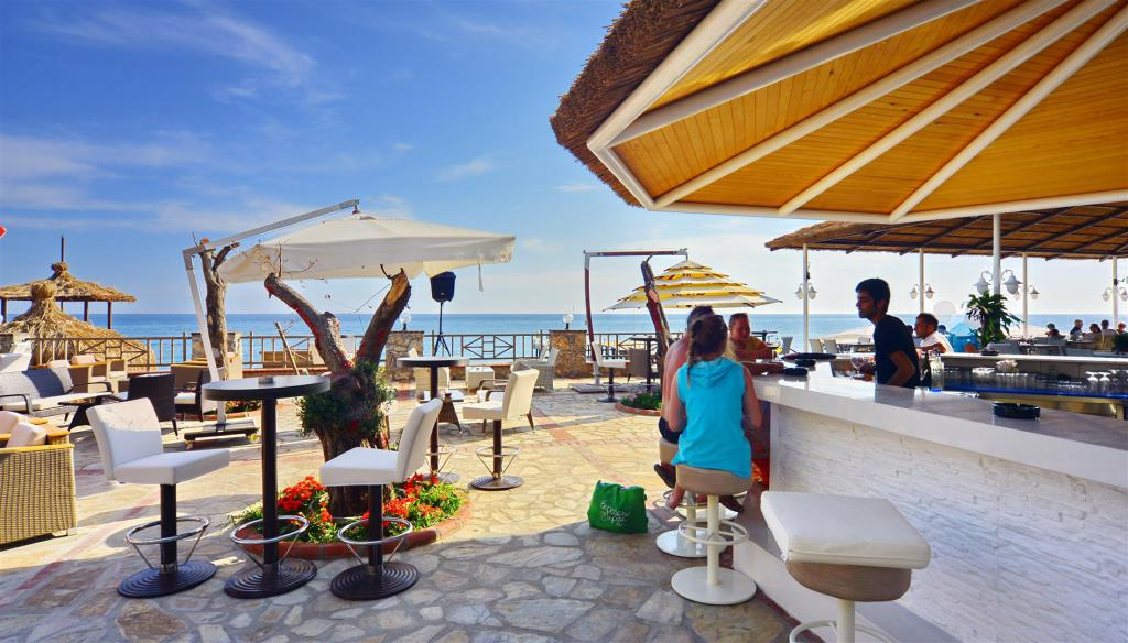 Bar sulla spiaggia Alanya