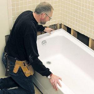 instalacja kątowej kąpieli akrylowej