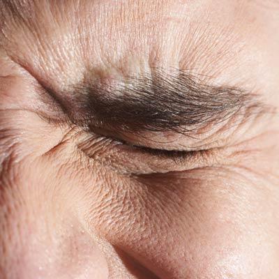 притискаща болка в очите