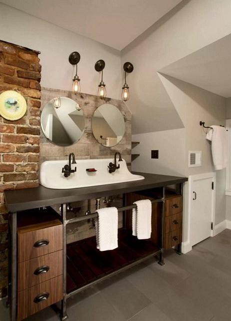 вътрешни бани, комбинирани с тоалетна в къщата