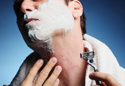 иритација након бријања лица