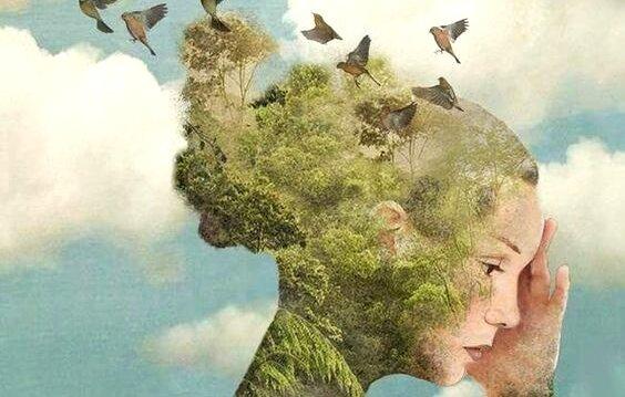 Dívka s vlasy trávy, stromy a ptáky