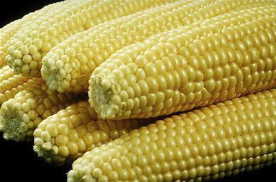 è possibile mangiare mais crudo