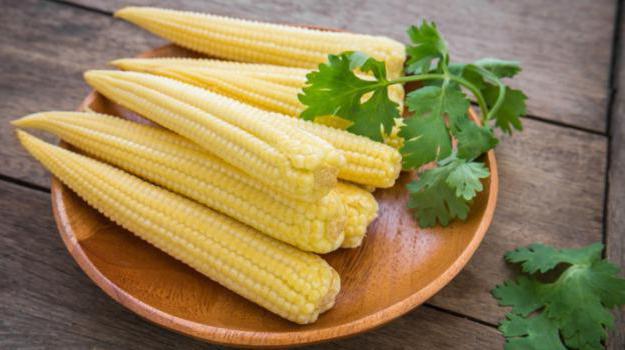 è possibile mangiare mais giovane crudo