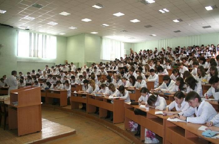 Wydziały Akademii Medycznej w Iżewsku
