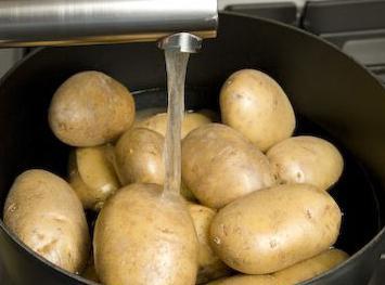 картофите от сако във фурната