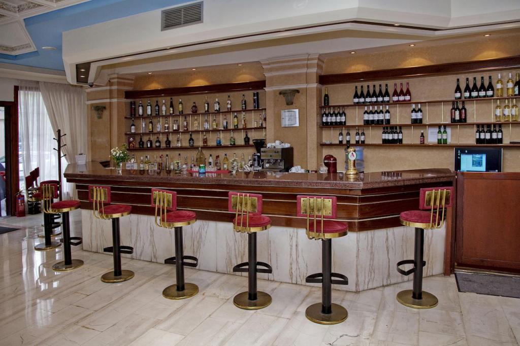 JoAn Palace 4 * bar