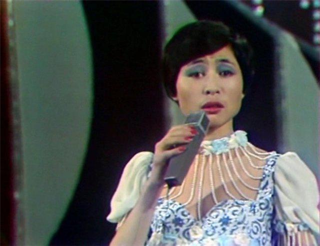 La biografia di Singer Rose Rymbaeva