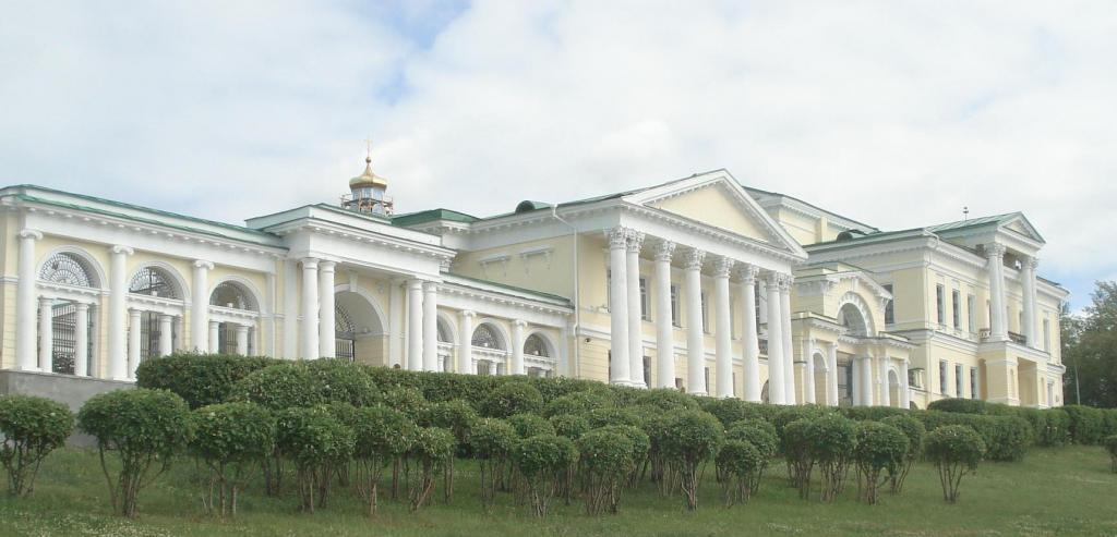Манор Кхаритонов
