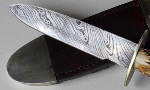 Nóż ze stali damasceńskiej
