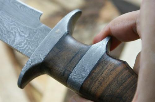 Noże myśliwskie ze stali damasceńskiej