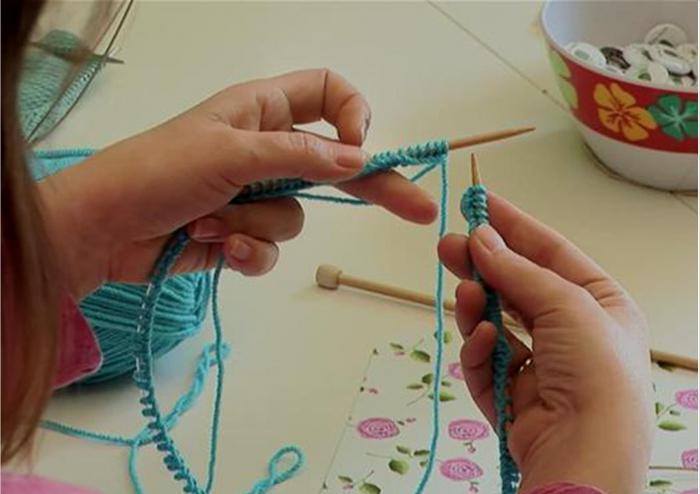 camicetta per un nuovo lavoro a maglia