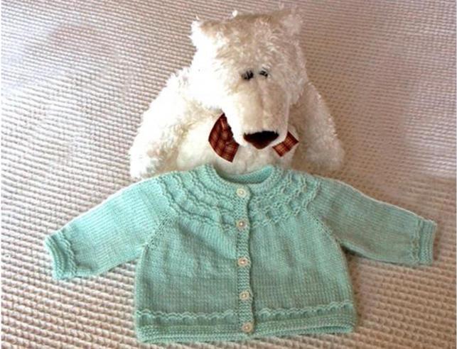 maglia una camicetta appena nata