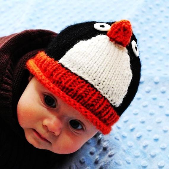 cappello per maglia per un neonato