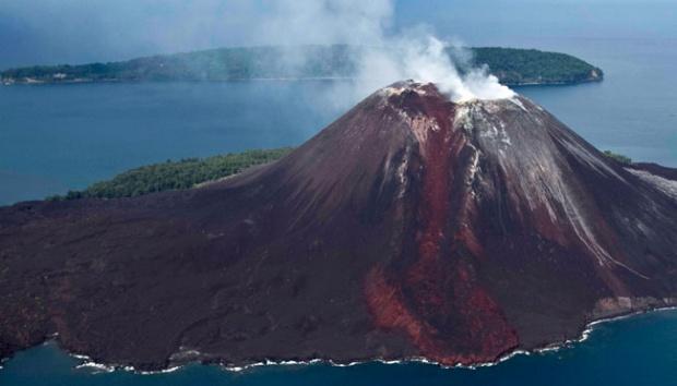 Резултат с изображение за Вулканът Кракатау