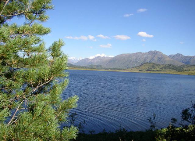 resto del lago zaisan