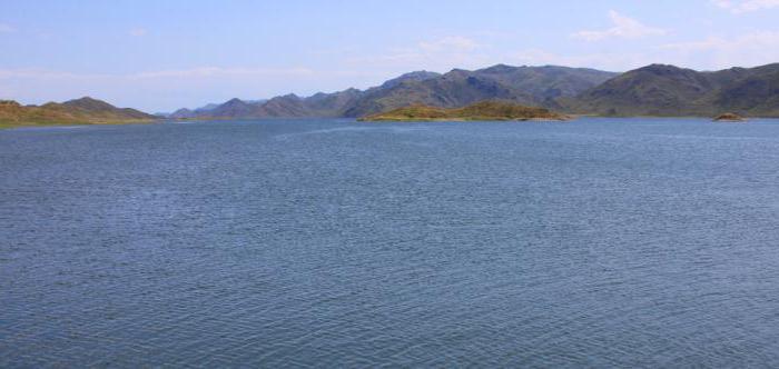 lago zaisan in Kazakistan