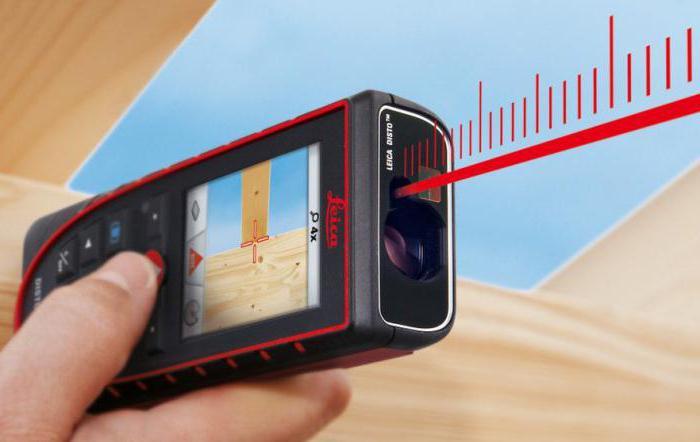 laserový dálkoměr s úrovní a páskou