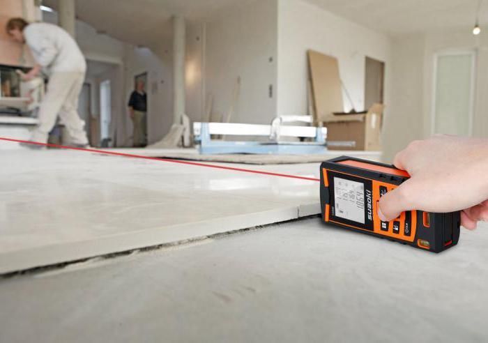 Jaký je rozdíl mezi měřením laserové pásky a vyhledávačem laserového rozsahu?