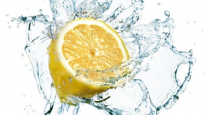 jak vyrobit domácí limonádu z citronů