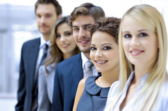 zvedání peněz mladým profesionálům