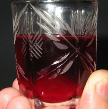 liquore al mirtillo rosso sulla vodka
