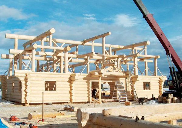 Costruzione di una casa di tronchi