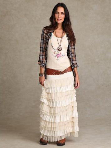 napunjena suknja s tim što nositi