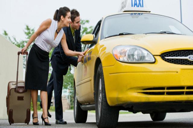 Taxi recensioni di piloti fortunati Mosca