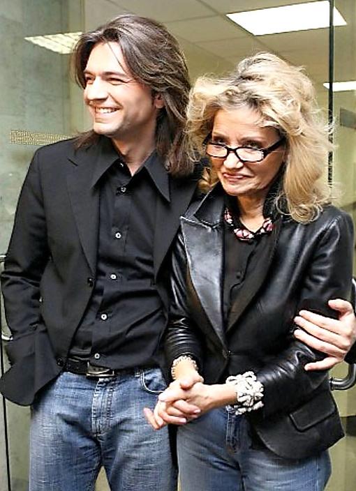 Лиудмила Виункова са сином Дмитријом Маликовим