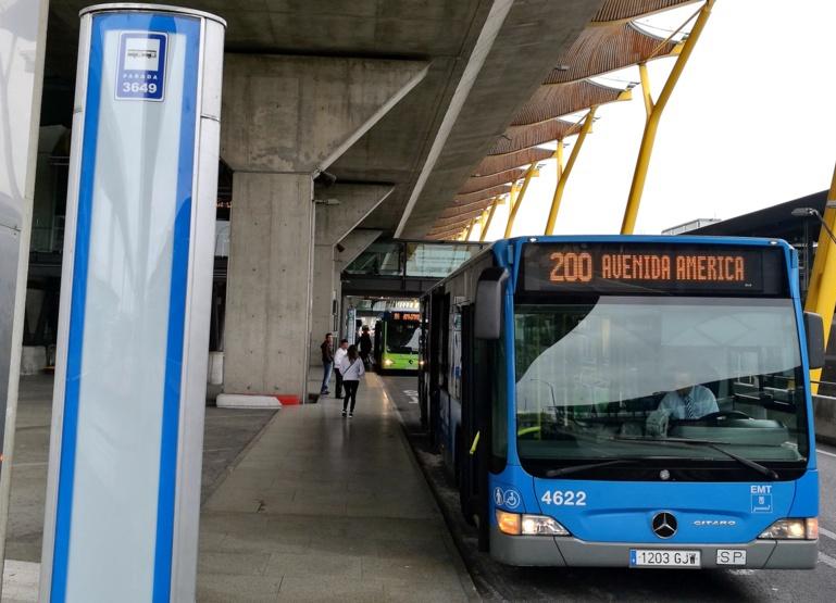 Bus dalla città all'aeroporto