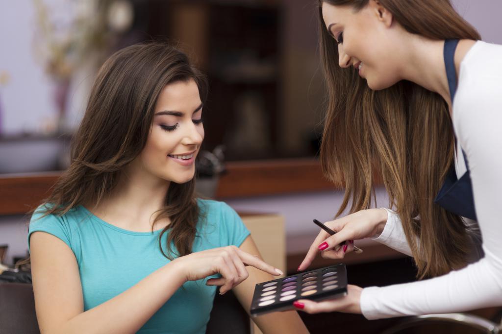 Konsultacja z artystą makijażu