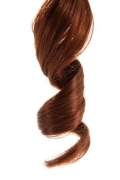 arricciatura di capelli sul ferro