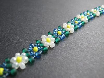 schema di tessitura di perle di camomilla