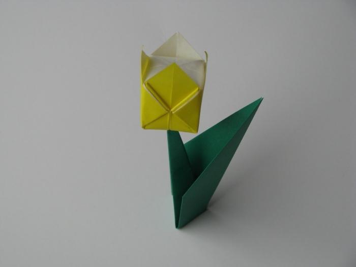 schema di tulipano origami
