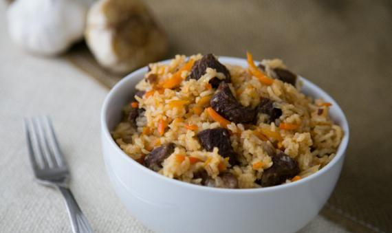 kako kuhati rižu s mesom