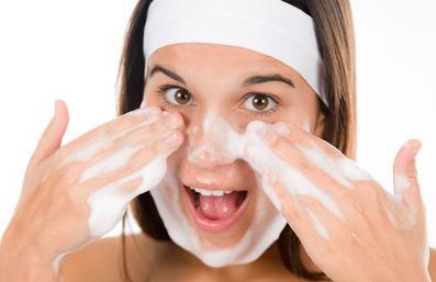 recensioni di pulizia del viso con cloruro di calcio